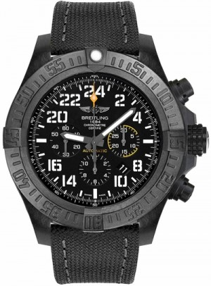 Montre Breitling Avenger Hurricane Black Dial Automatic Men's Watch XB1210E41B1W1